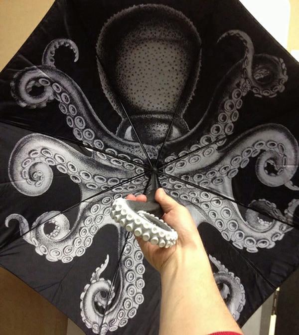 lustige schwarz regenschirme oktopus