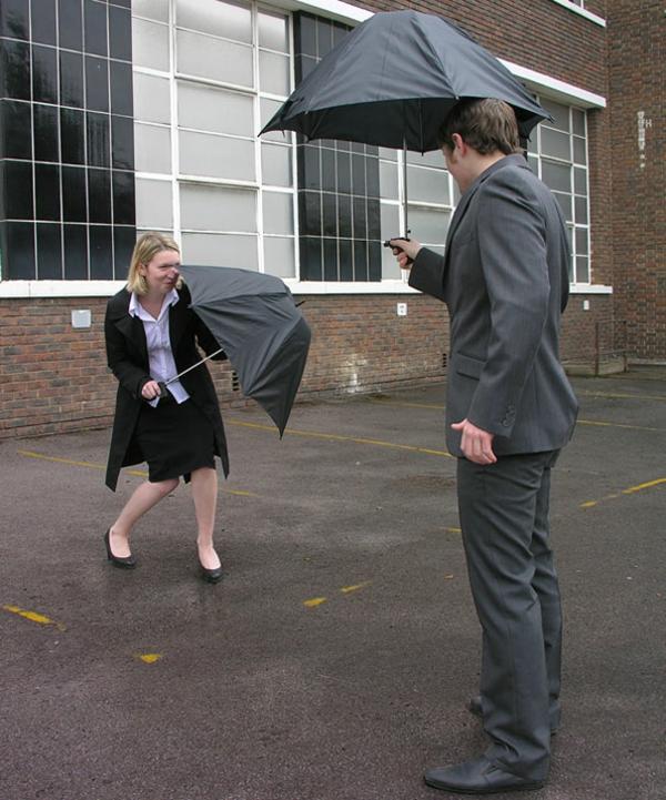 lustige spaß regenschirme regen spiele pistole