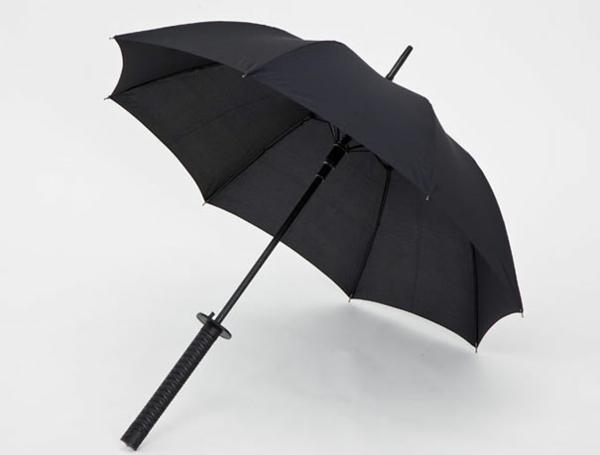 lustige interessant regenschirme schwert
