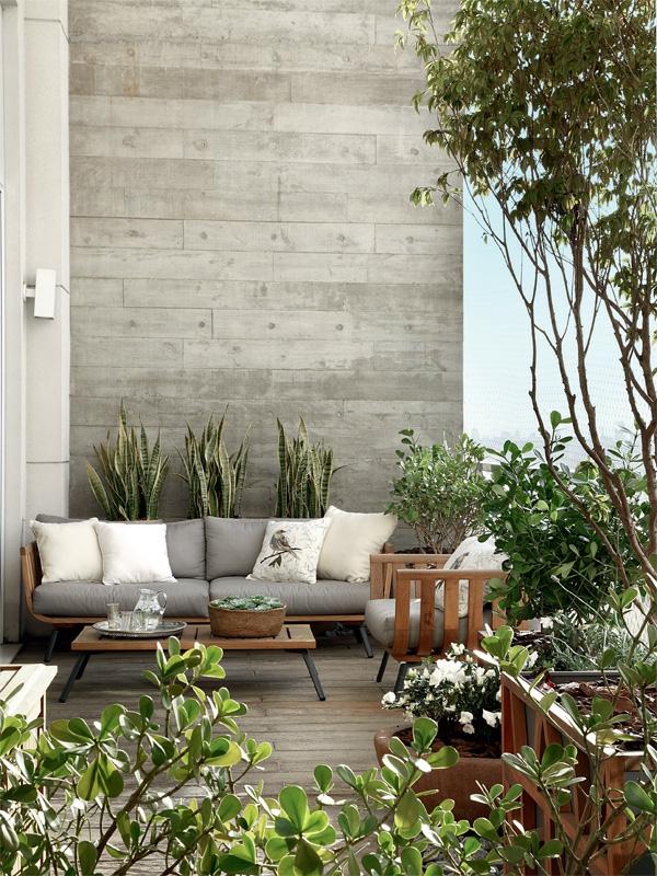 moderne terrassengestaltung stadtwohnung topfpflanzen balkonmöbel