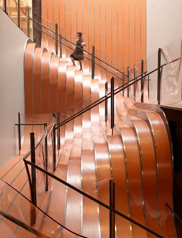 moderne treppen designs moderne kunst lebhafte formen glas geländer