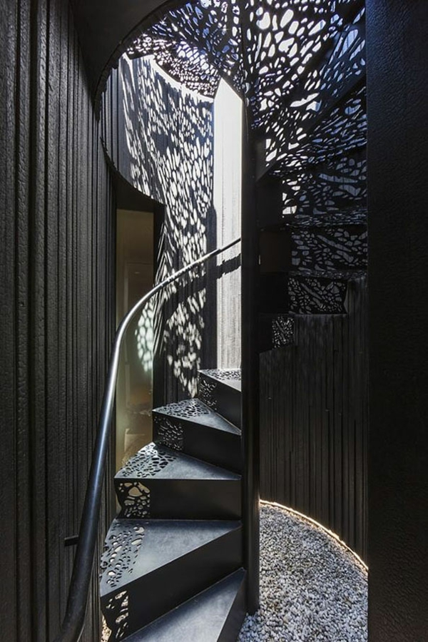 moderne treppen designs schattenspiel metall spitze