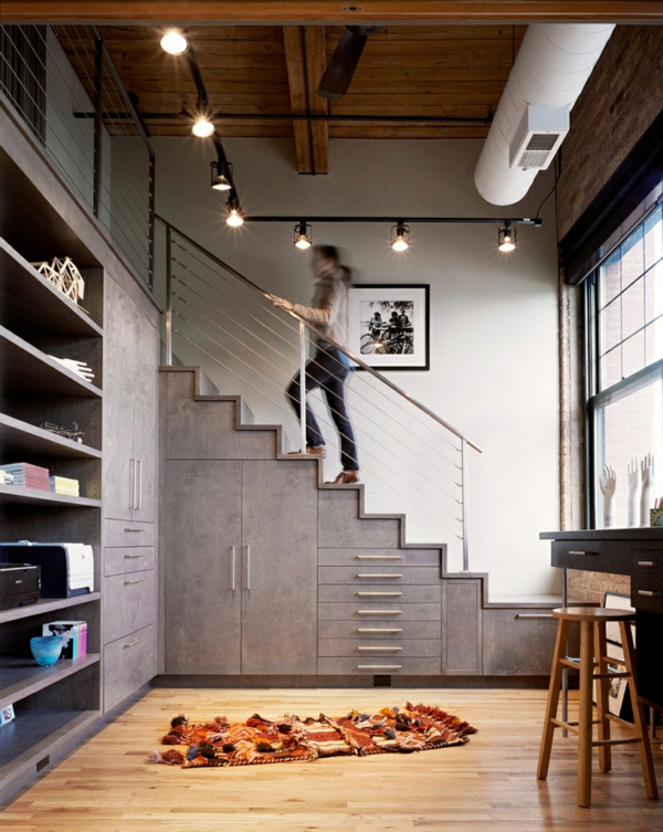 moderne treppen gestalten schhränke darunter
