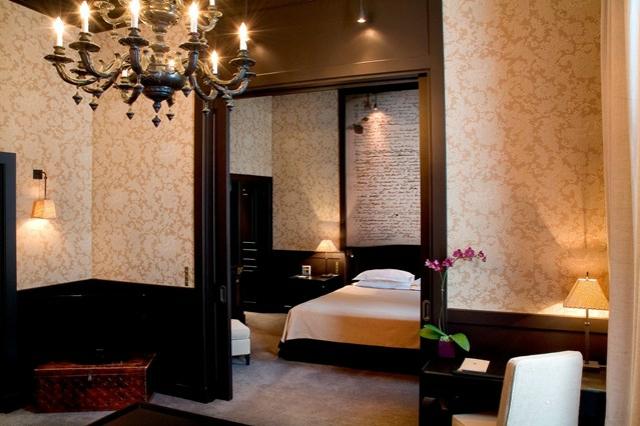 romantisches hotel  paris Place des Vosges Suite de la Reine