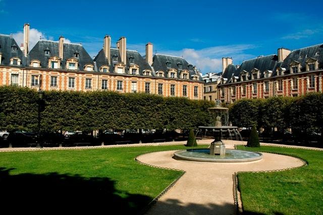 romantisches hotel paris Place des Vosges