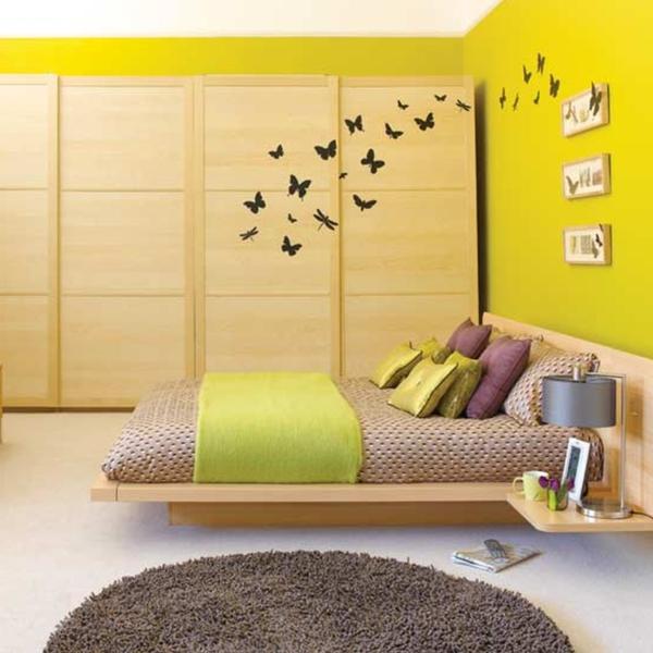 Schlafzimmer Wandfarbe Farbiden Grelles Grün Asiatischer Stil Holzbett