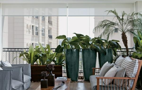 terrassengestaltung-ideen-farbgestaltung-grün-hauptfarbe-zimmerpflanzen-blumentöpfe