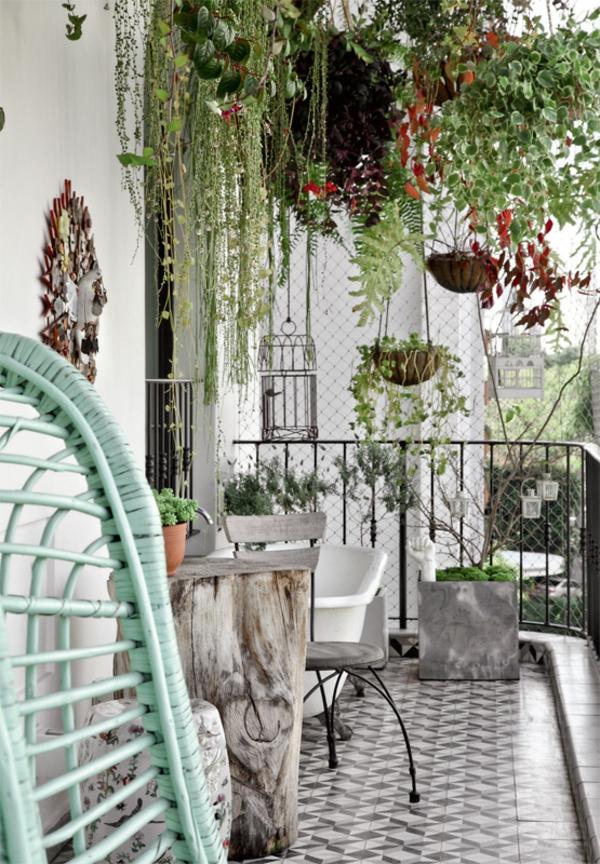 terrassengestaltung ideen topfpflanzen hängepflanzen balkonpflanzen balkonmöbel