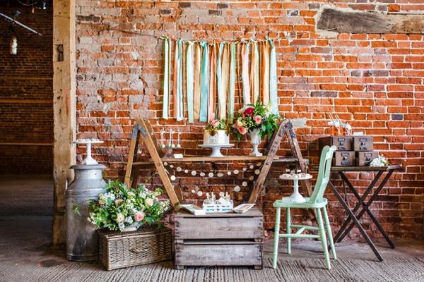 tischdeko ideen im rustikalen stil ein dessert buffet. Black Bedroom Furniture Sets. Home Design Ideas