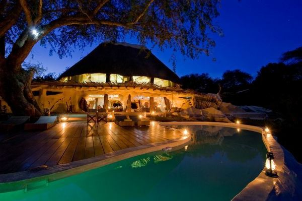 traumvilla afrika attraktive beleuchtung
