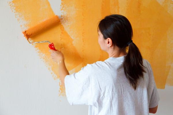 wandfarben wohnzimmer - welche farbtöne kommen in die engere wahl? - Wohnzimmer Orange Streichen