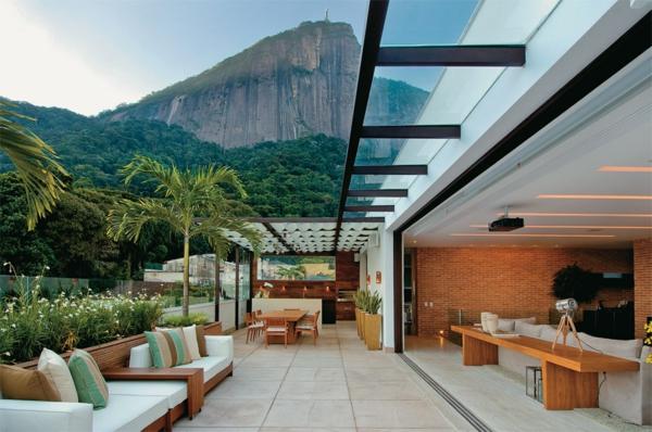 zimmerpflanzen auf der terrasse palmenarten terrasséngestaltung ideen lounge möbel