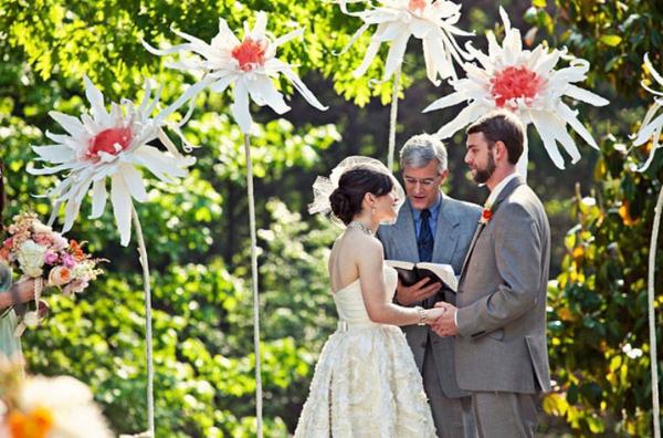 DIY Hochzeiten groß dekoideen blumen gras