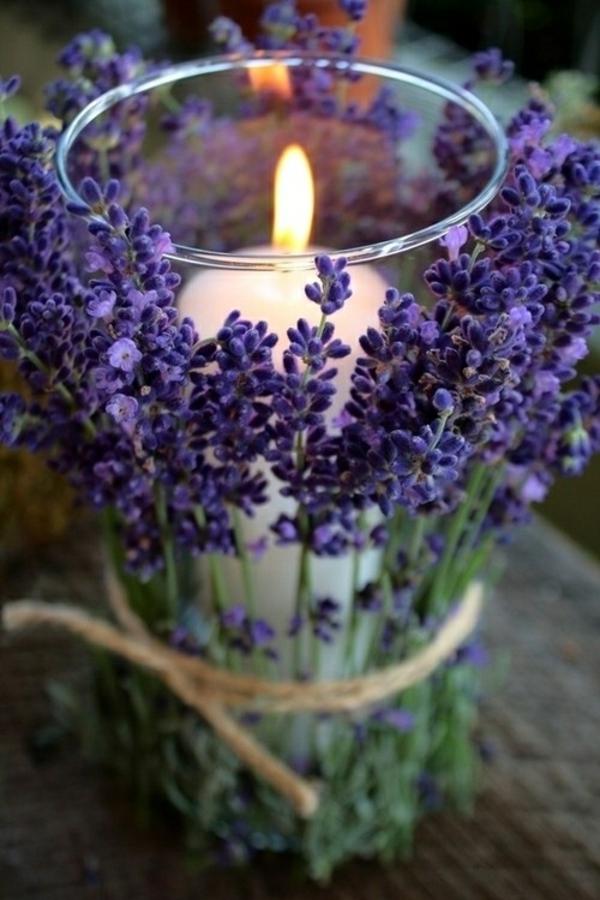 flieder Hochzeiten dekoideen lila blumen kerzen