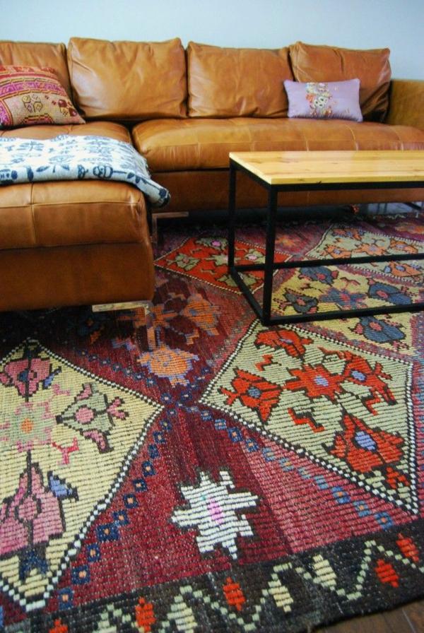 Eckcouch aus Leder orientalisch muster teppich