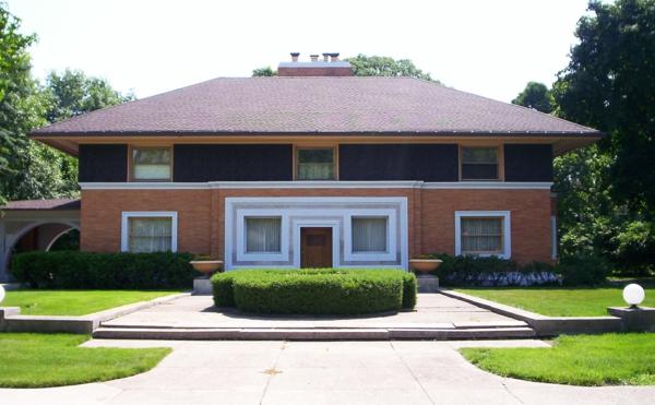 Fassadengestaltung Einfamilienhaus vorgarten gestalten hecke pflagen rasen