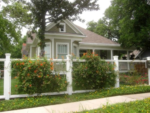 Fassadengestaltung einfamilienhaus grau  Fassadengestaltung Einfamilienhaus - Ideen und Bilder