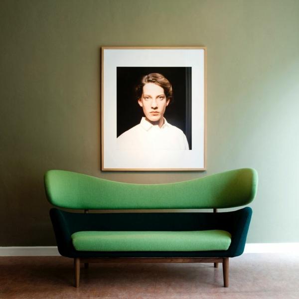 Grüne Sofas display ausstellen