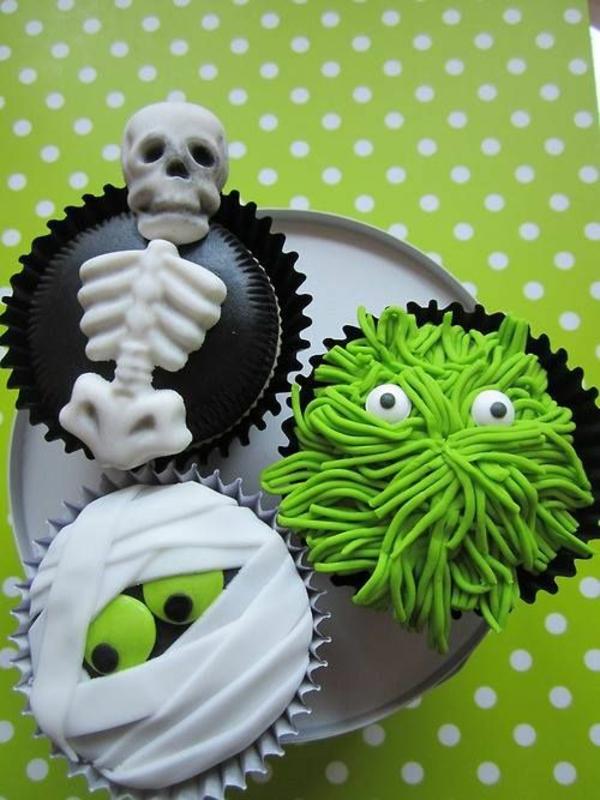 Grusel Muffins halloween gebäck grün Halloween Party Rezepte cupcakes backen