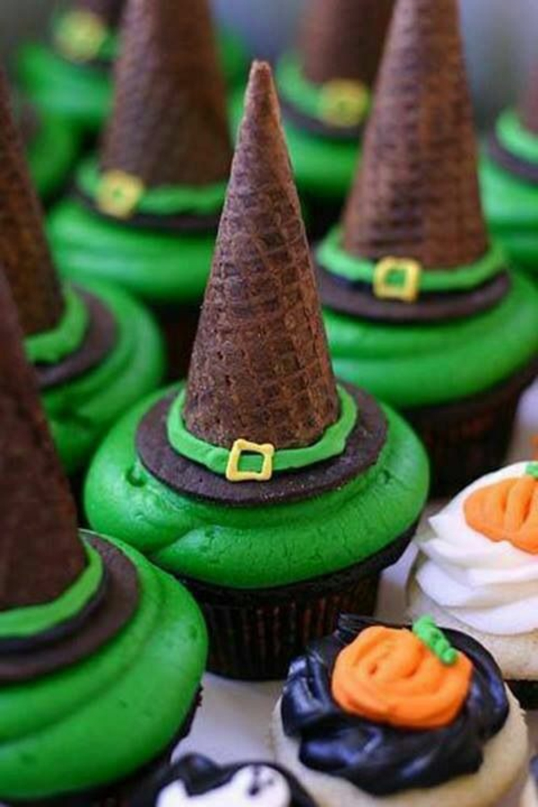 Grusel Muffins halloween gebäck grüne cupcakes backen hexenhut