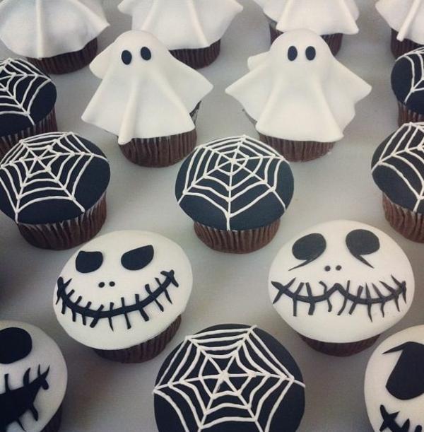 Grusel Muffins halloween gebäck halloween backen cupcakes gespenster spinnennetz