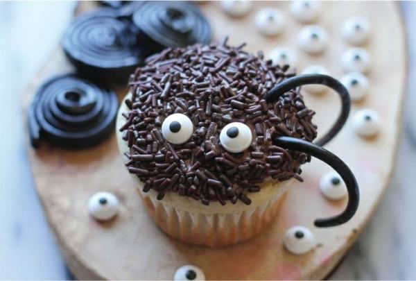 Grusel Muffins spinen cupekaces halloween gebäck Halloween Party Rezepte halloween nachtisch