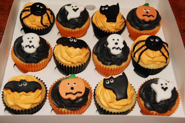 Halloween Party Rezepte Grusel Muffins backen gespenster halloween gebäck