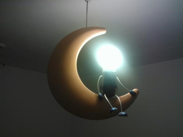 kinderzimmer deckenleuchte auffallende lampen und. Black Bedroom Furniture Sets. Home Design Ideas