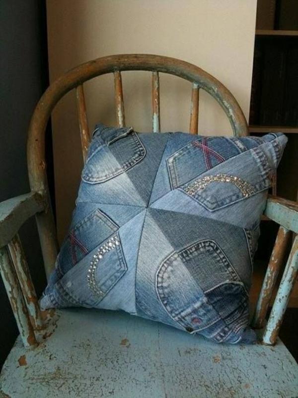 Kissenhüllen aus Jeans kissenbezüge klamotten stuhl