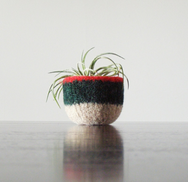 Pflanzgefäße für Luftpflanzen schwarz