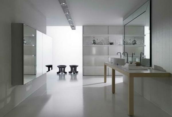 Spiegelwand kaufen glanzvoller charme und kunstvolle for Badezimmer wanddeko