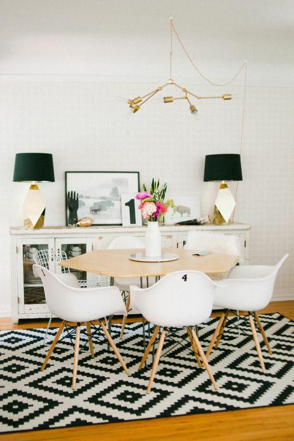 Stühle Esstisch holz modern teppich muster