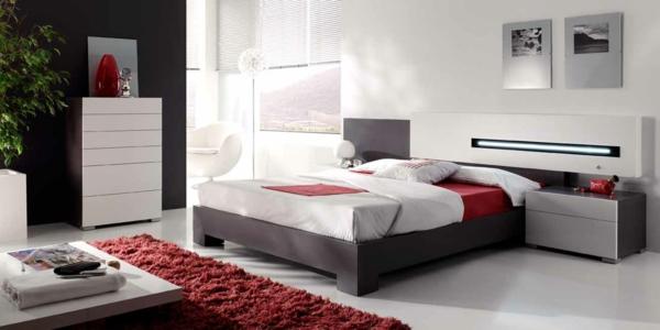 Bett Kopfteil Einrichtungsideen Schlafzimmer Rot Akzente