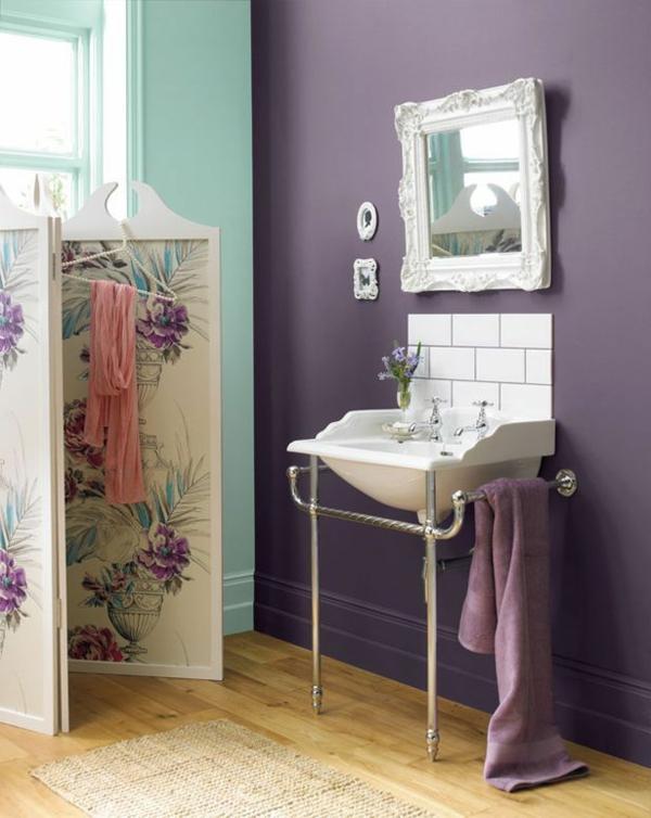bunte wandfarbe badezimmer hellgrün lila