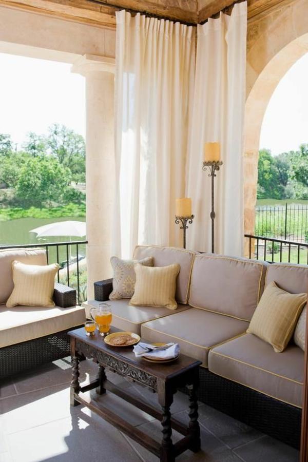 couchtisch holz holzschnitzerei gartenlaube entspannungsecke gestalten gartenmöbel set