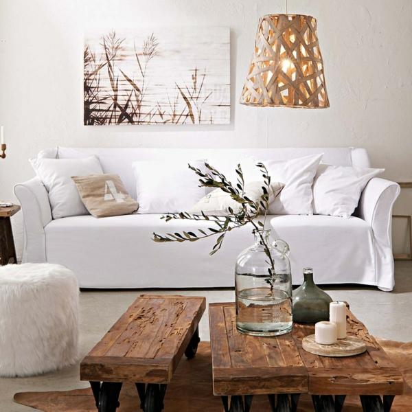 couchtisch holz massiv rustikale einrichtung wohzimmer sofa weiß holzfarbe felltepich