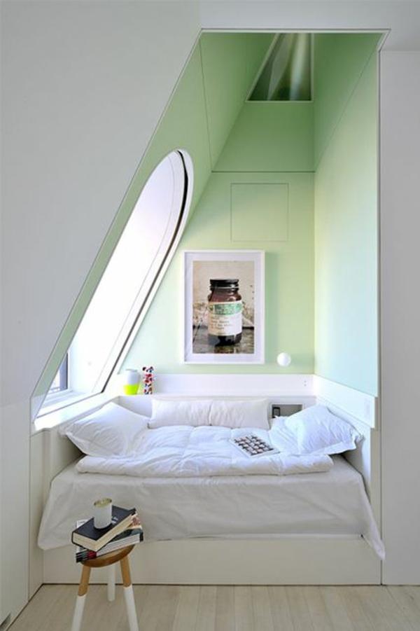 dachzimmer dachschräge schlafzimmer einrichtungsideen bett