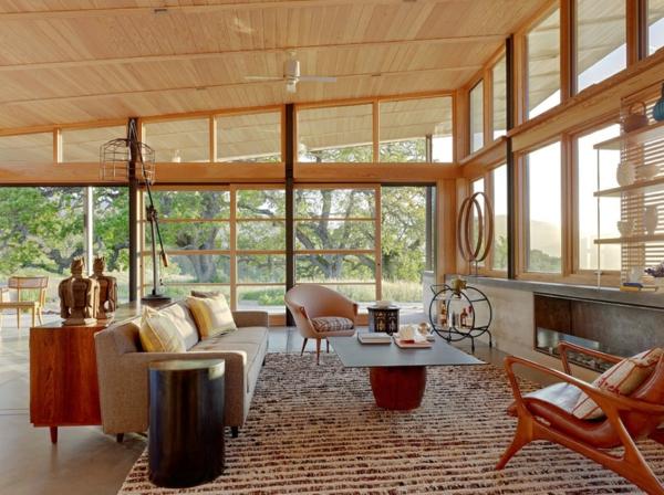 einrichtung wohnzimmer im scandinavischen stil deckenhöhe fenster licht holzeinrichtung