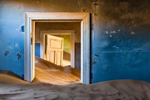 erde und mensch naturbilder altes haus gebäude sand strand