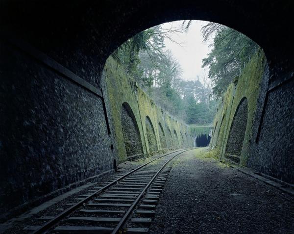 erde natur und mensch naturbilder zug tunnel wald natur