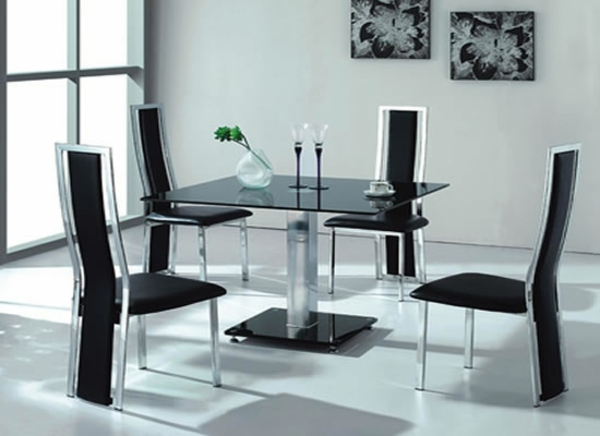 esszimmertisch mit st hlen die ein modernes ambiente kreieren. Black Bedroom Furniture Sets. Home Design Ideas
