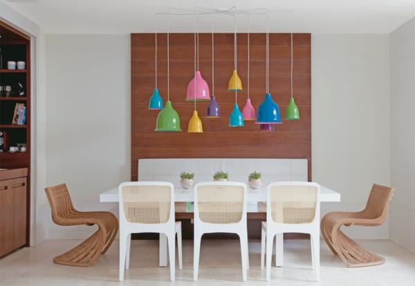 Esszimmertisch mit st hlen die ein modernes ambiente kreieren for Designer esstisch leuchten
