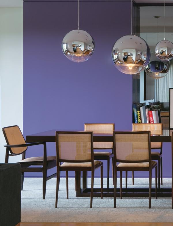 esszimmertisch mit stühlen holztisch esstisch pendelleuchten silber