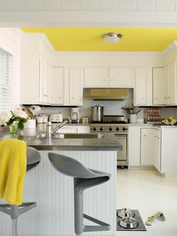 farbgestaltung küche einrichten küchenideen zimmerdecke in gelb