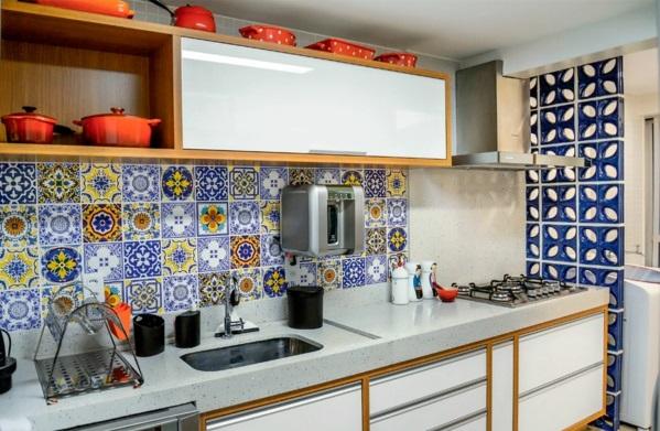 fliesenspiegel küche küchenfliesen wand patchwork musterfliesen