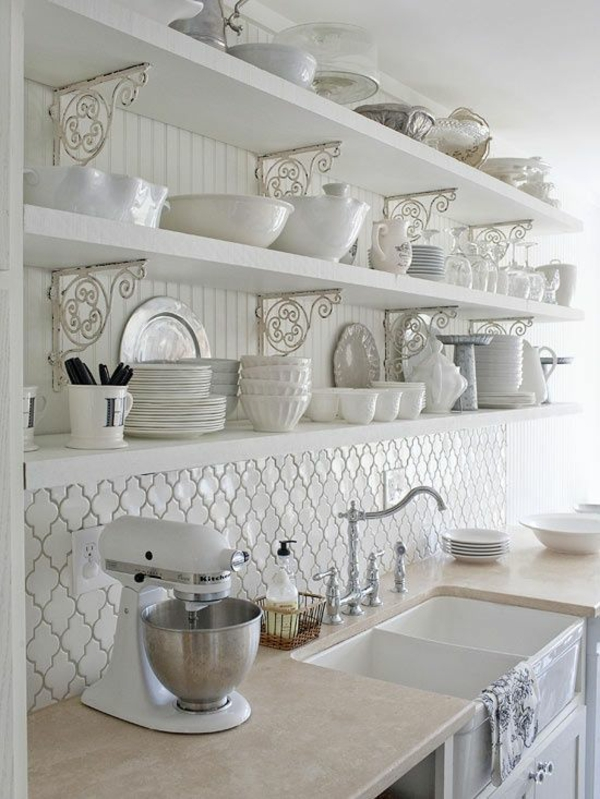 fliesenspiegel küche küchenfliesen wand rustikale küche holzregale spritzschutz küche