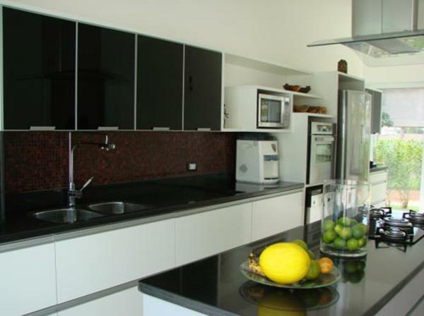 fliesenspiegel küche rückwand küche küchenfliesen wand braun mosaikfliesen
