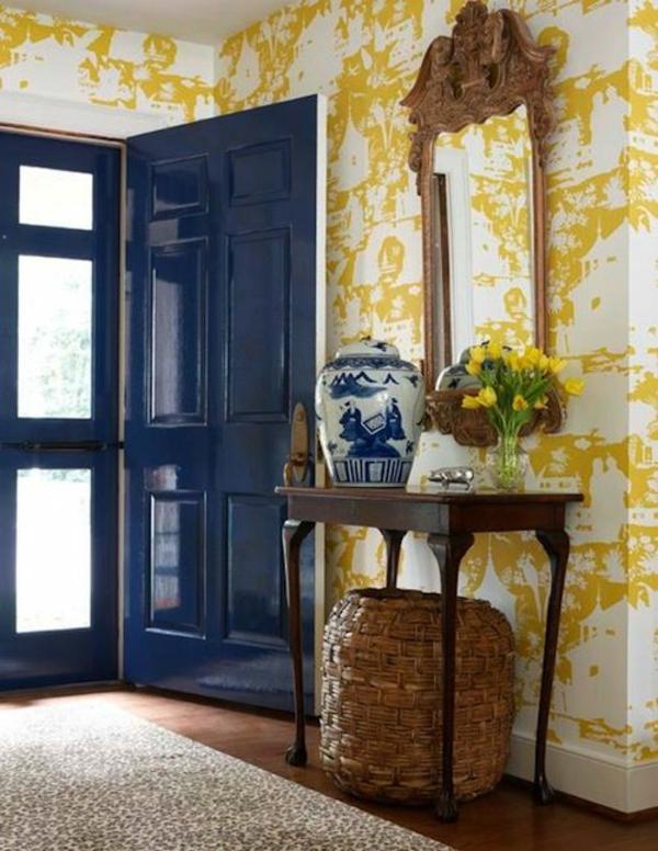 tapete flur eine gelbe tapete im schlaf oder wohnzimmer wirkt sehr erfrischend. Black Bedroom Furniture Sets. Home Design Ideas