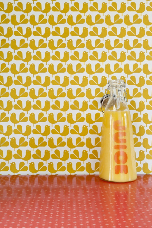 gelbe tapete wandgestaltung mit tapeten gelb tapetenmuster küchenideen