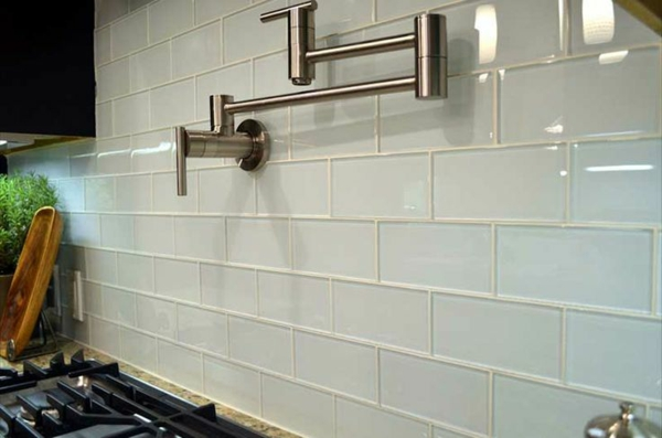 Fliesenspiegel kche modern : Küchenrückwand aus Glas – der moderne ...